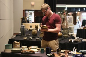 Gardner-Webb student shopping for handmade pieces. Photo by Megan Hartman.